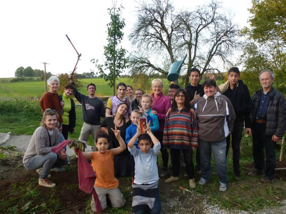 Un chantier « plantations » en partenariat avec un centre social